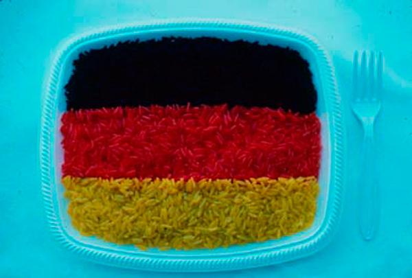 FOOD SITUATION FOR A PATRIOTIC BANQUET - Bandera alemana