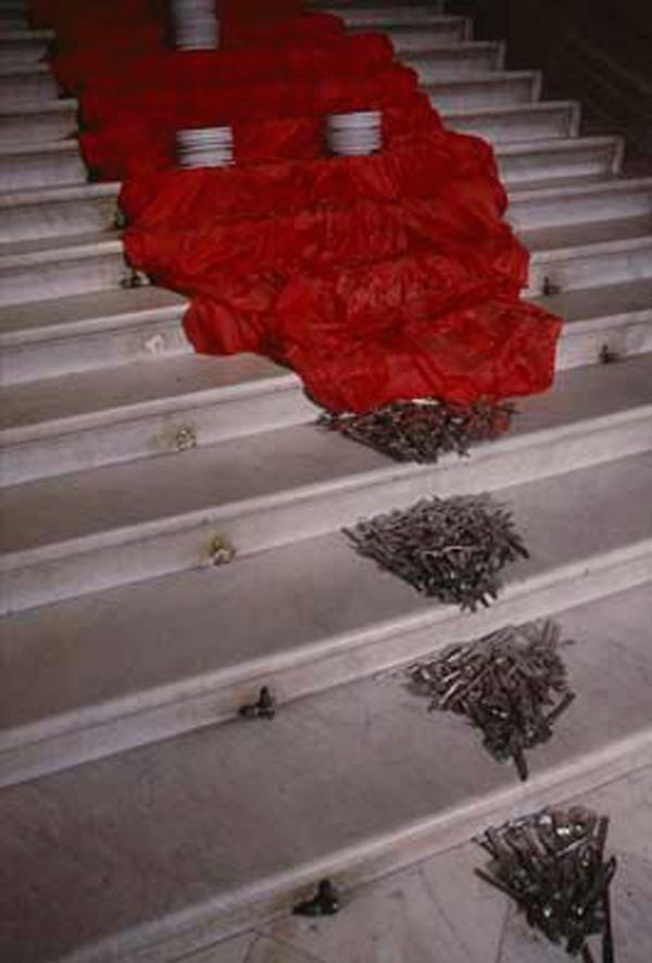 SANTA COMIDA - Palau Robert - Elegua representado por una alfombra roja